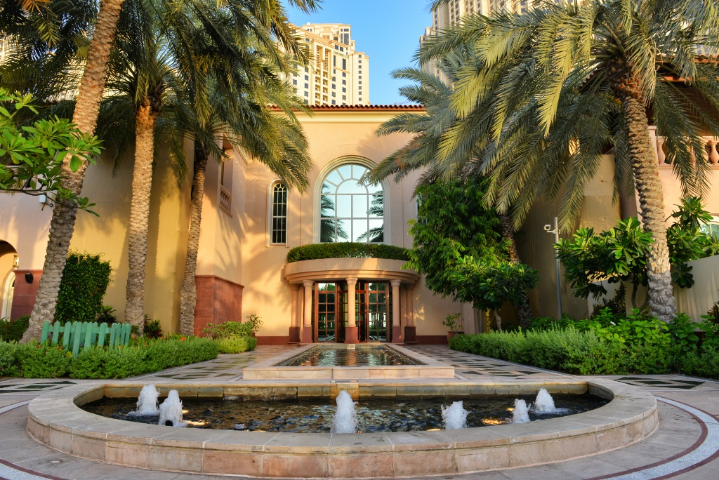 The Ritz-Carlton, Dubai 11