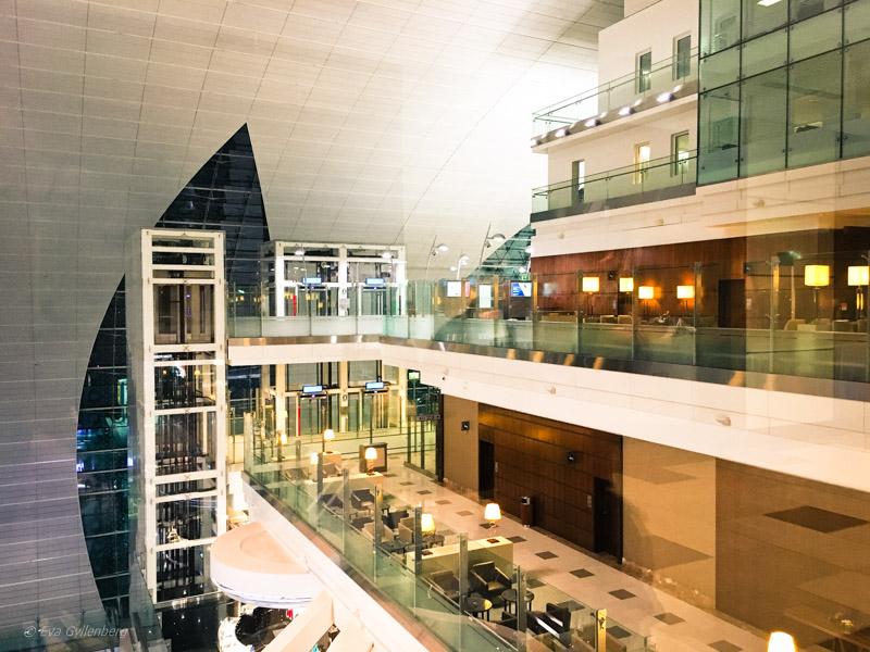 Emirates Business Class Lounge i Dubai 14