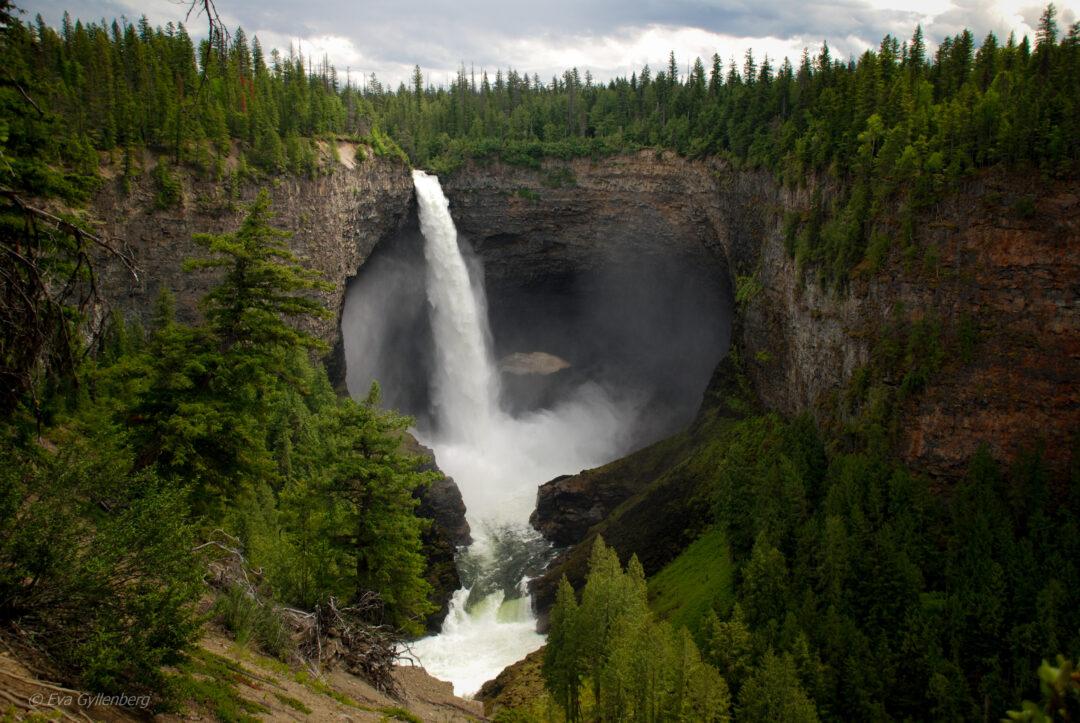 Helmcken-falls-Wells-Gray-Kanada