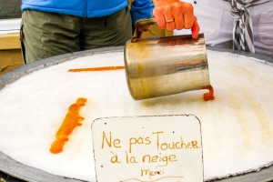 Lönnsirap som godis i Mont-Tremblant