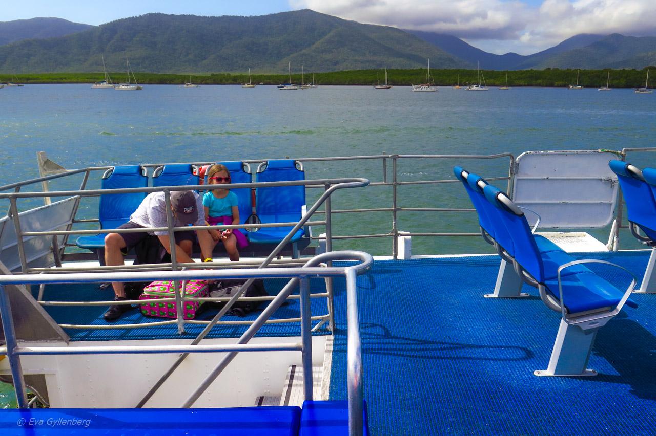 På väg ut till Fitzroy Island - Cairns - Australien