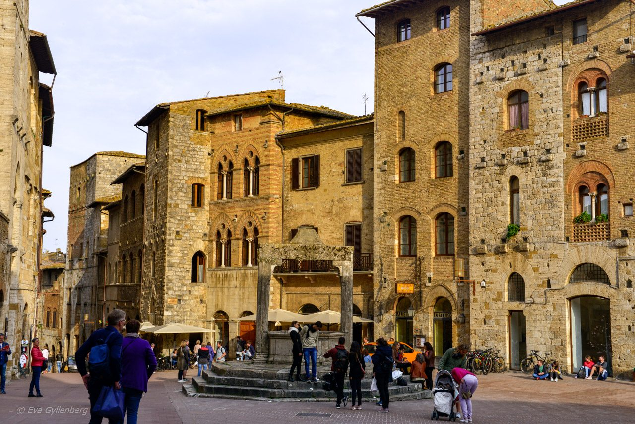 Torget i San Gimignano - Toscana - Italien