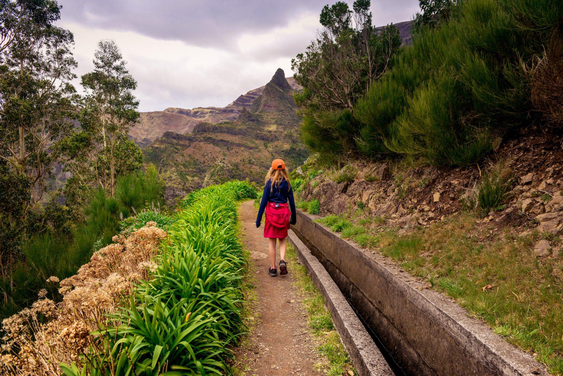 Vandrar mot sockertoppen på Madeira