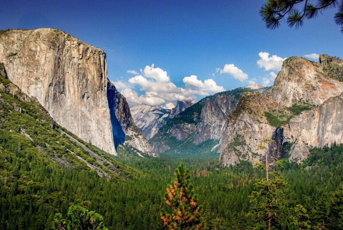 Yosemite National Park - Bland vattenfall och granit 1
