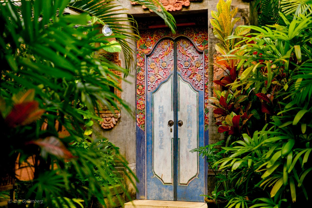 Dörr till ett rum på Dwaraka Royal Villas