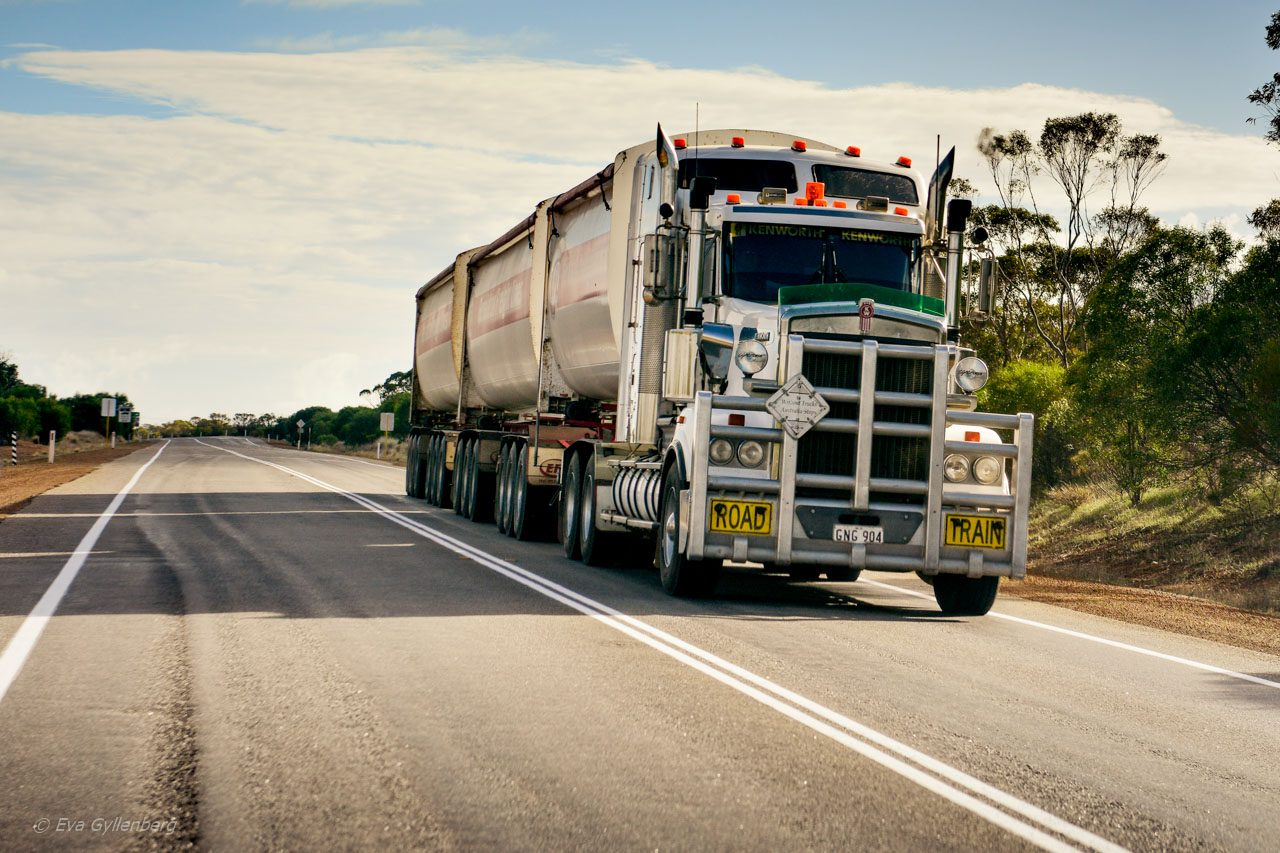 Australien-Bilkorning - Road train