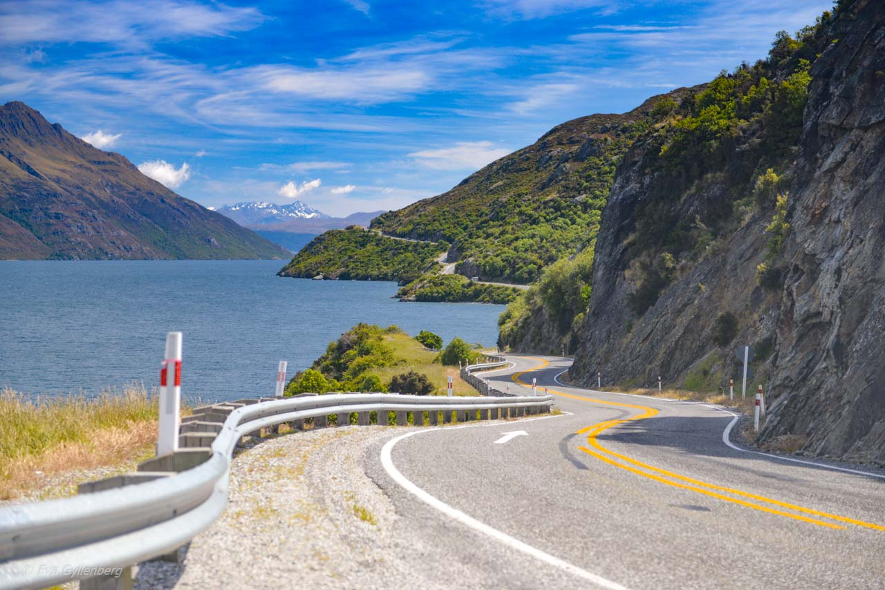 Krokig väg tillbaka från Milford Sound