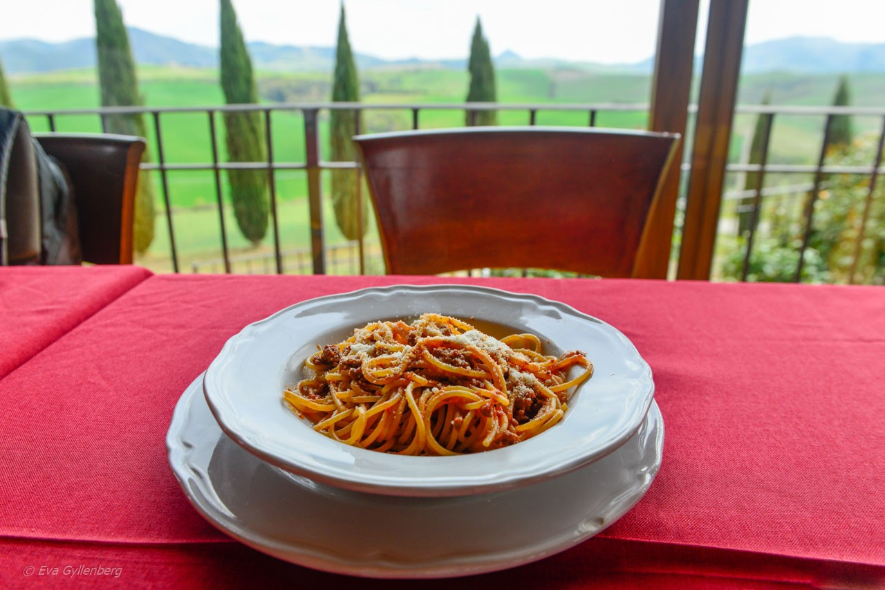 En pasta ragu i Toscana