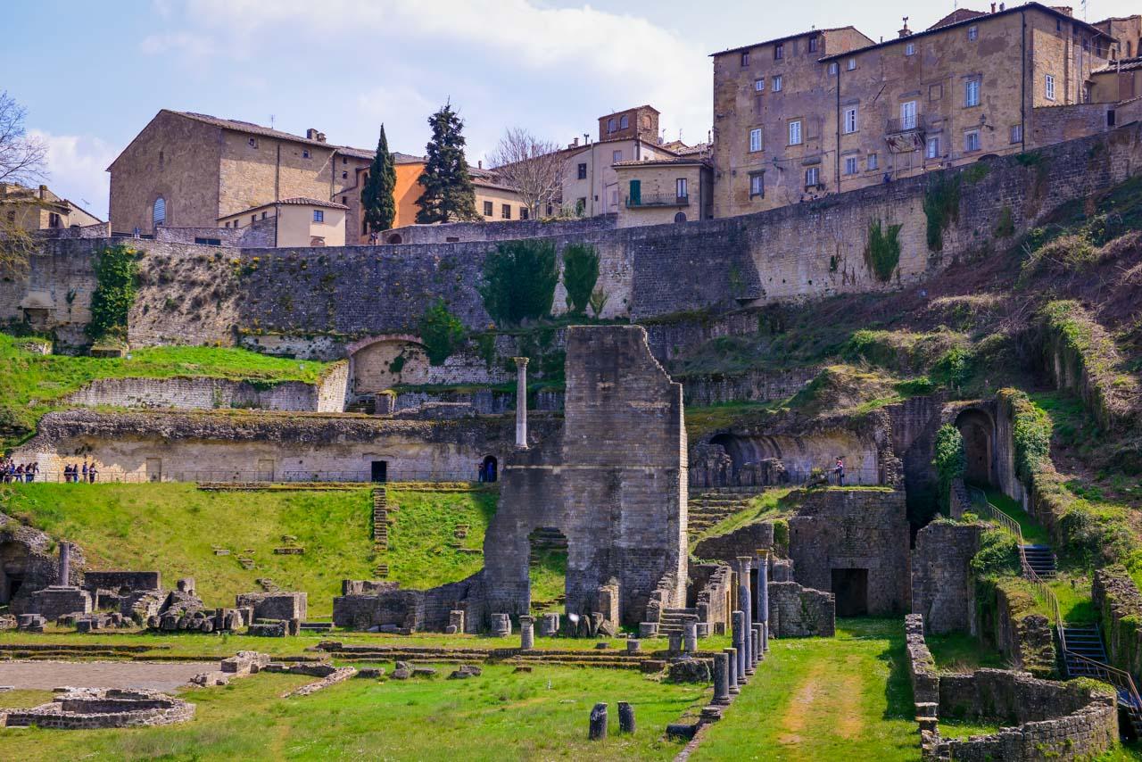 Volterra - Alabasterstaden på kullen i Toscana 10