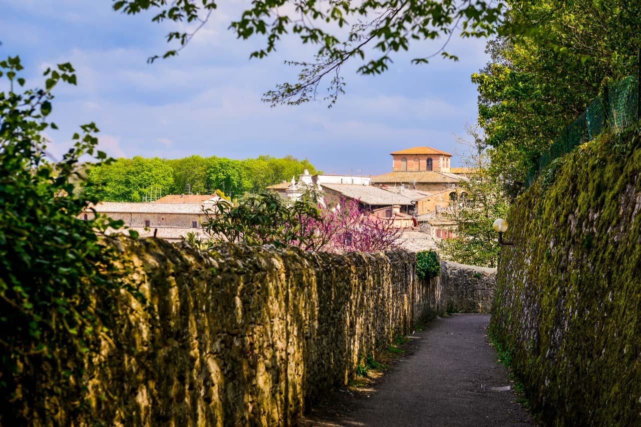 Volterra - Alabasterstaden på kullen i Toscana 20