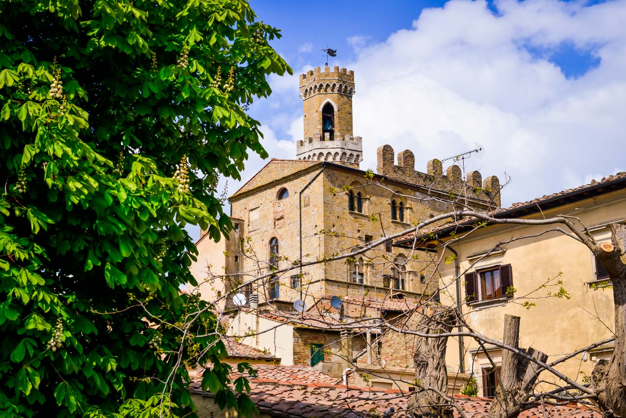 Volterra - Alabasterstaden på kullen i Toscana 25