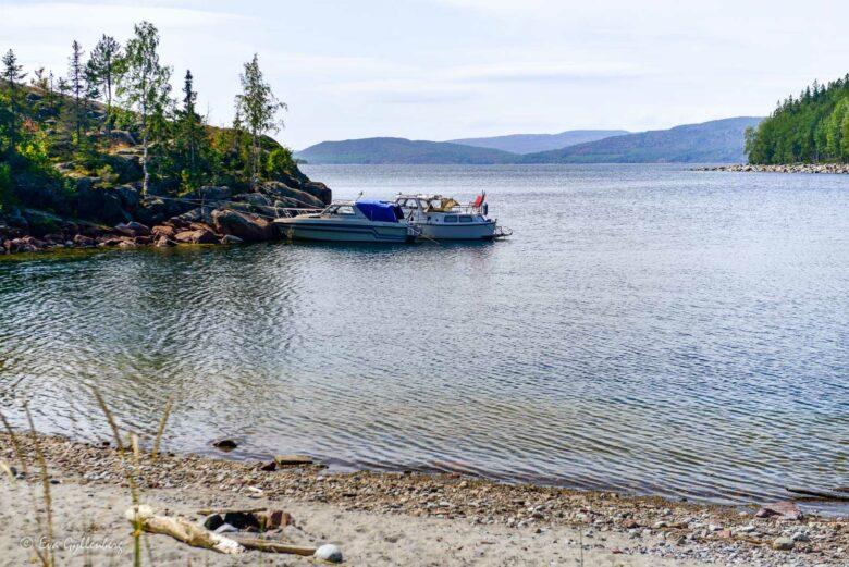 Båtgäster på Balesudden vid Höga kusten