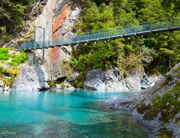 Blue pools i Mount Aspiring