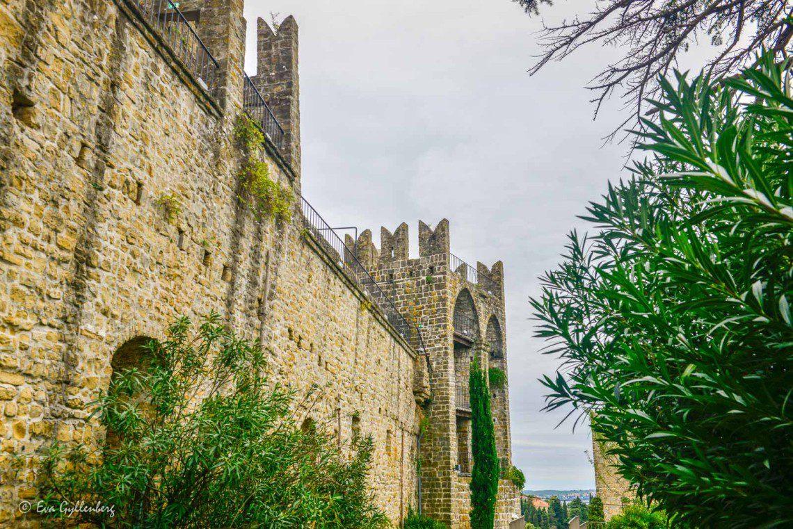 Promenad på muren i Piran