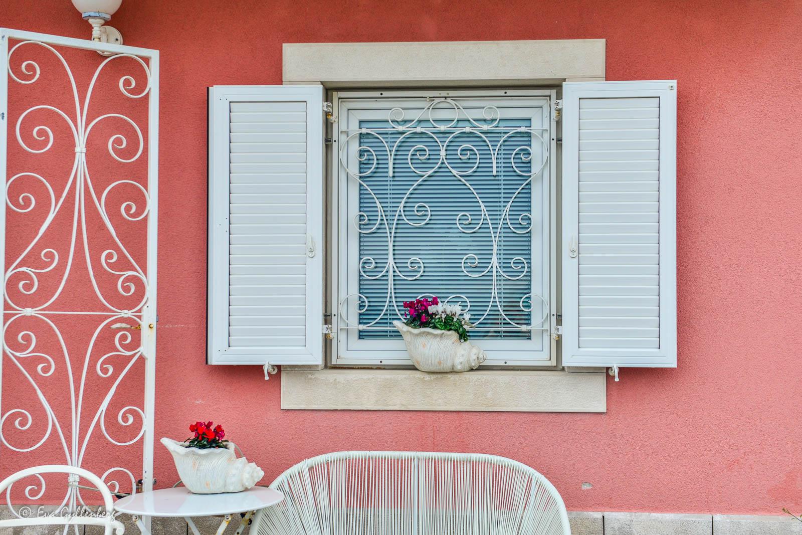 Rosa hus i Piran