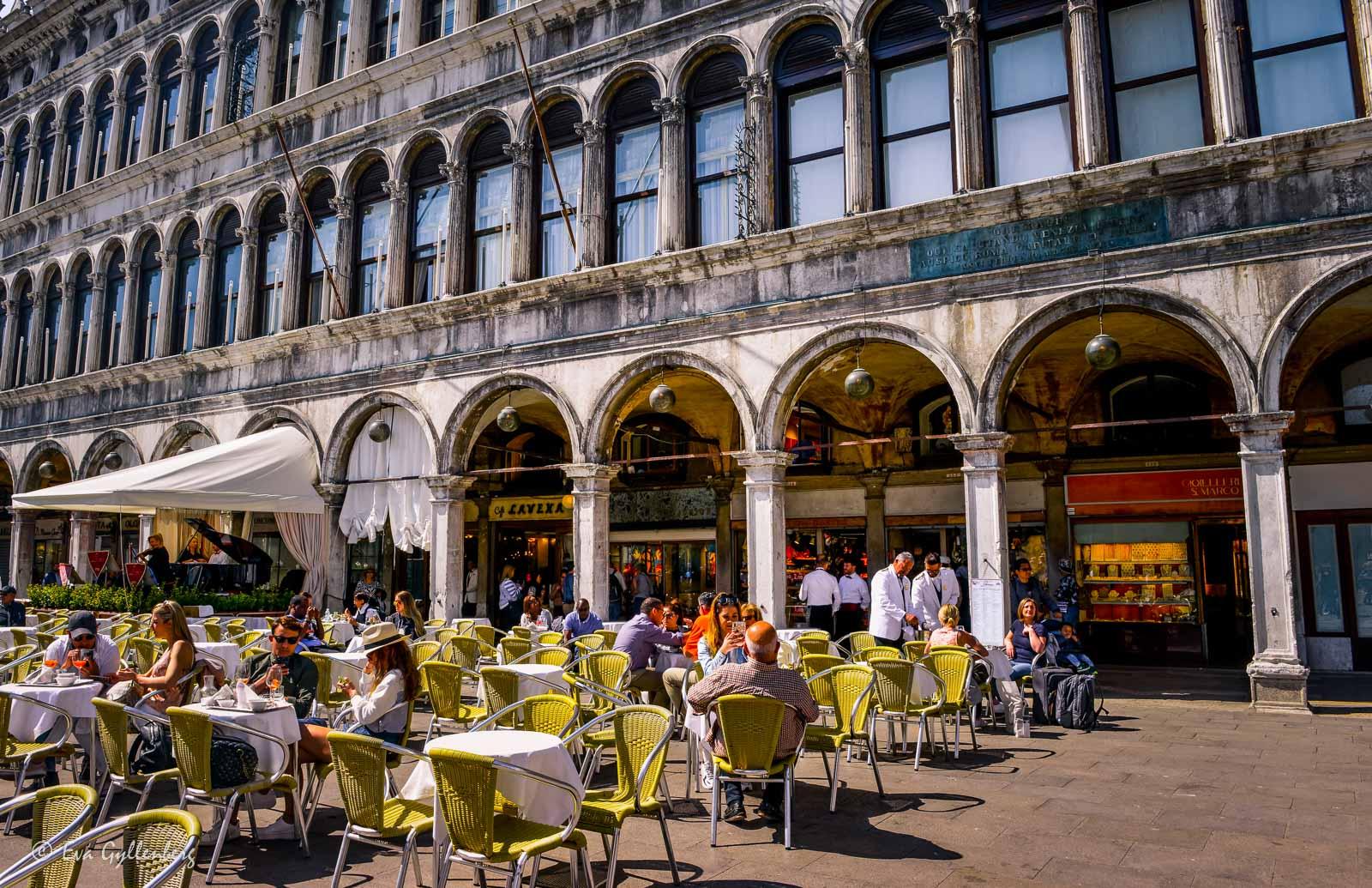 Caféer på Markusplatsen