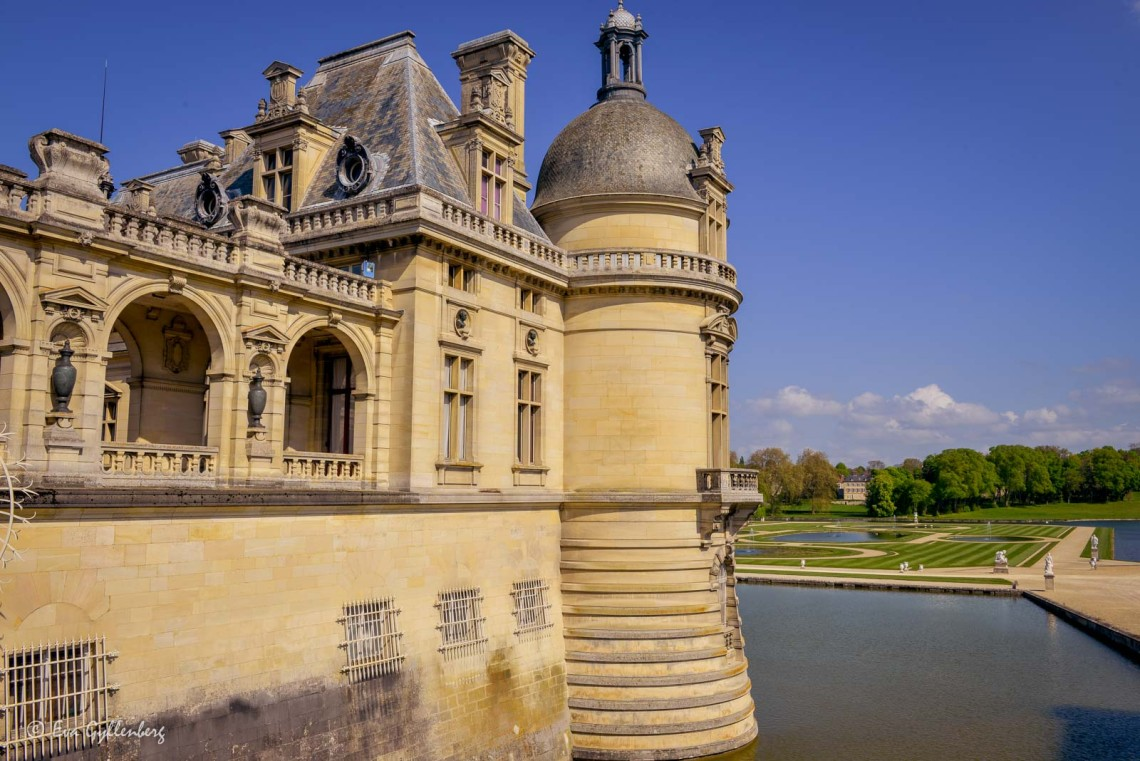 Slottet vid Chantilly och vallgraven