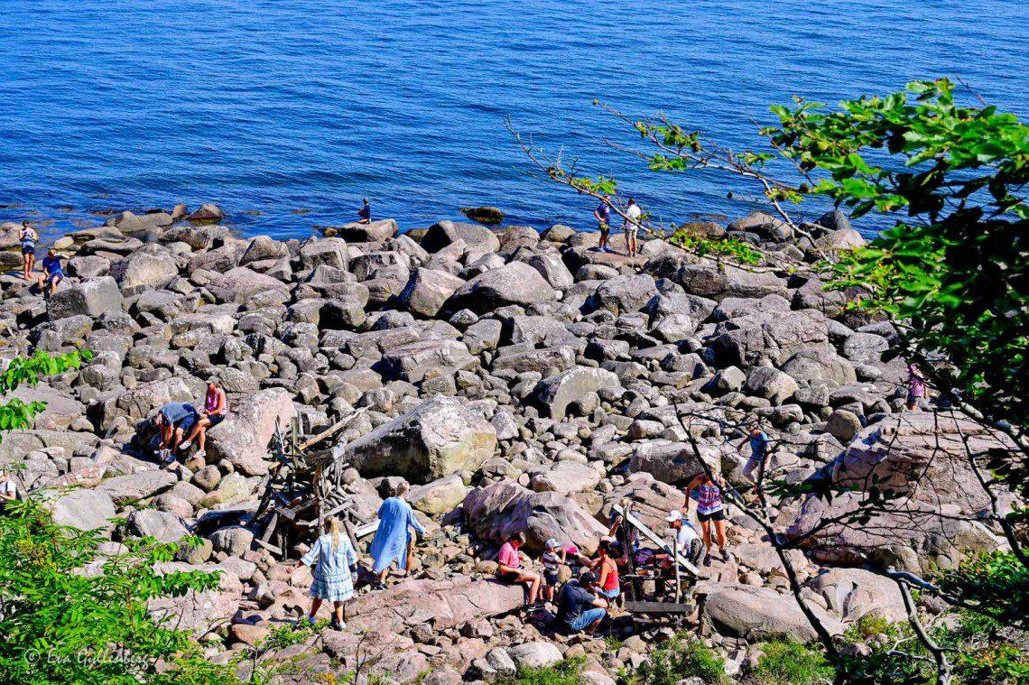 Klippor vid havet vid Nimis på Kullahalvön