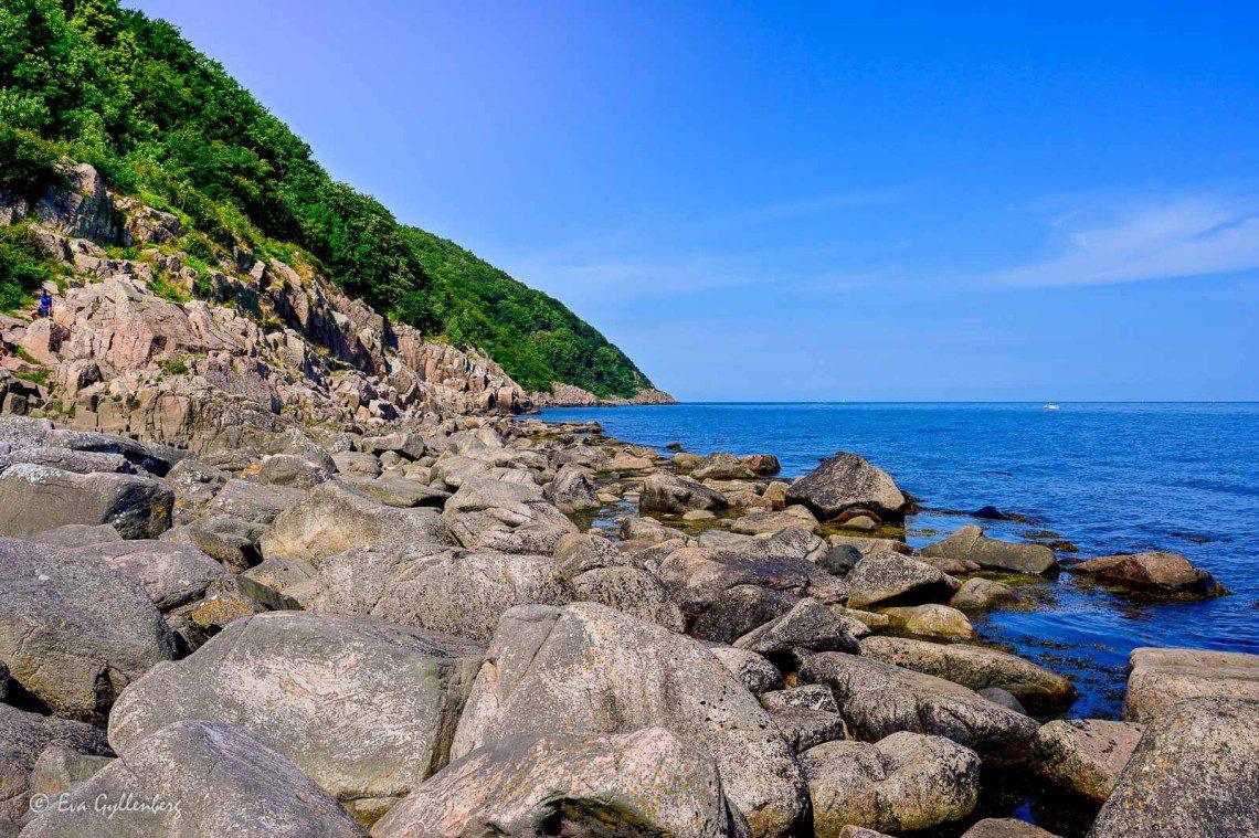 Kullabergs naturreservat med Kullen och havet och klippor